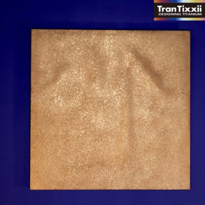 【純チタン_正方形】時を刻む黄金の金属絨毯