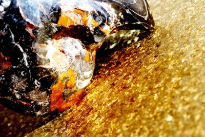 結晶チタンと石